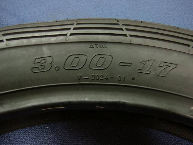 タイヤF300-17